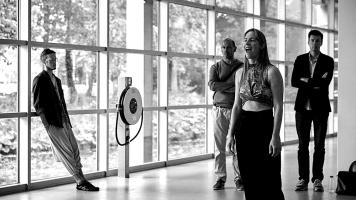 deel 3_photo TAAK - Cobra Museum_performance Janneke van der Putten_2017_webBW